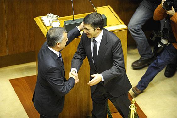 Pleno de investidura del nuevo lehendakari, siendo elegido Inigo Urkullu.