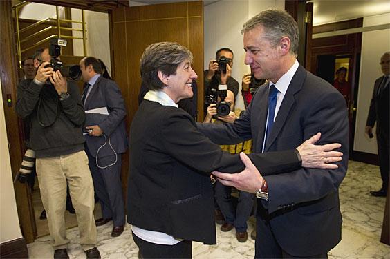 Pleno de Investidura. Laura MIntegi e IÒigo Urkullu.