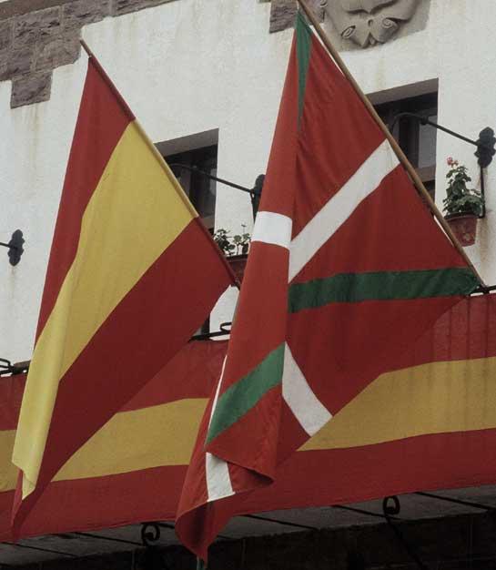 banderaespañolaikurriña