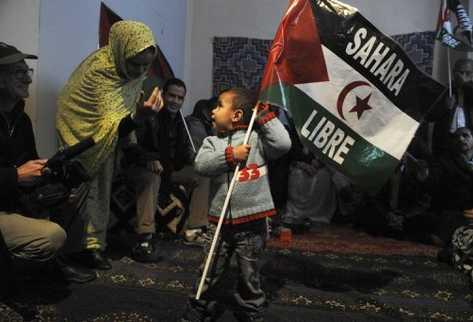 sostiene-leyenda-Sahara-tradicional-saharaui_PREIMA20120526_0123_32